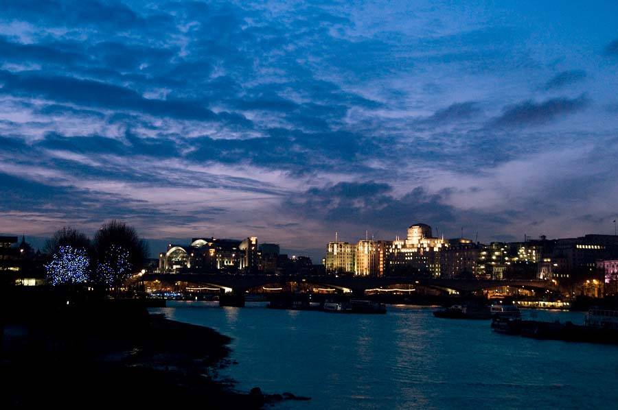 winter evening on the thames author dupin eric