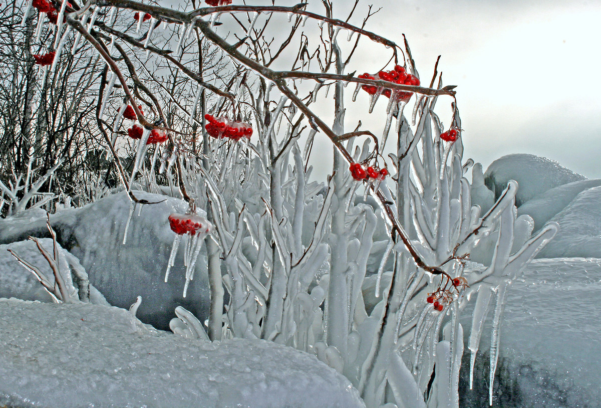 ice formations from lake superior waves author pl pluskwik paul