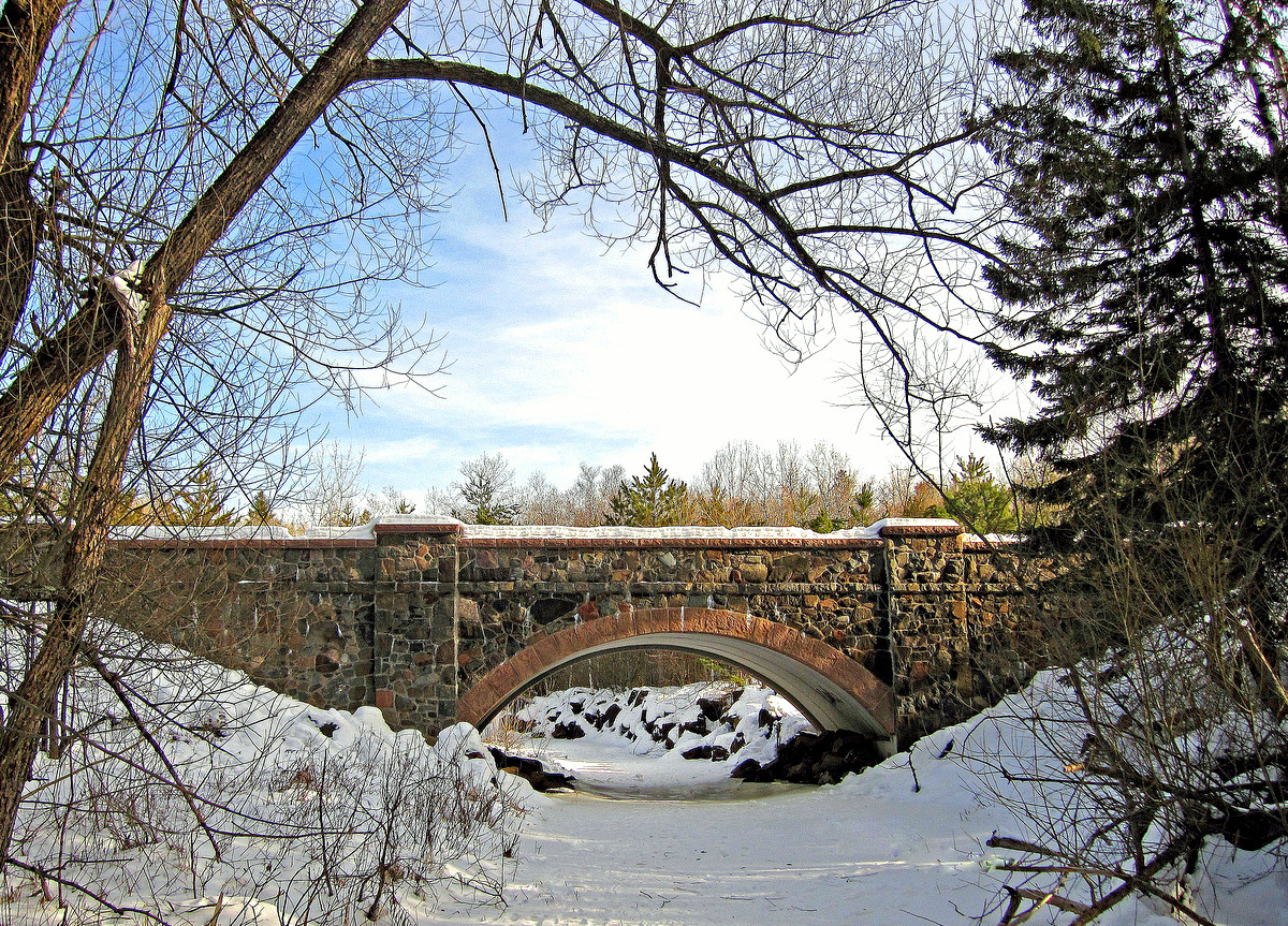 a winter bridge view on bridges road author plusk pluskwik paul