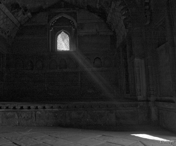afternoon sun through a ventilator in agra fort chakraborty debejyo