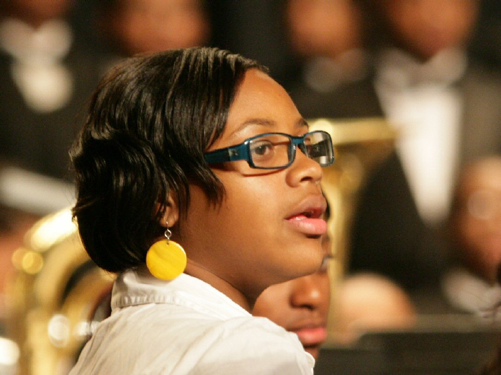 the yellow earring christmas concert author kell kelly landrum