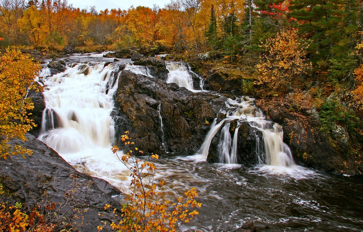 kiwishiwi falls surounded by fall color author pl pluskwik paul
