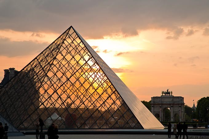 sunset in louvre author barros joao
