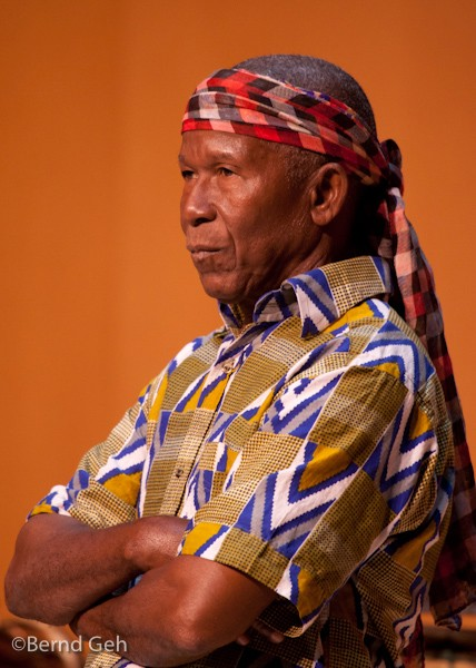 famoudou konate djembe grand master author geh be bernd
