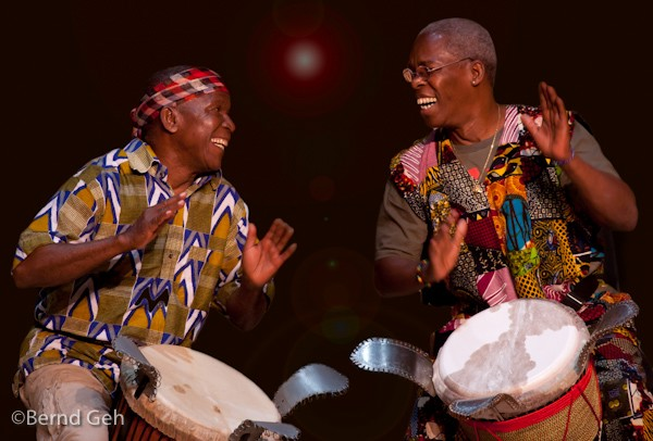 famoudou konate and mamady keita in concert autho geh bernd