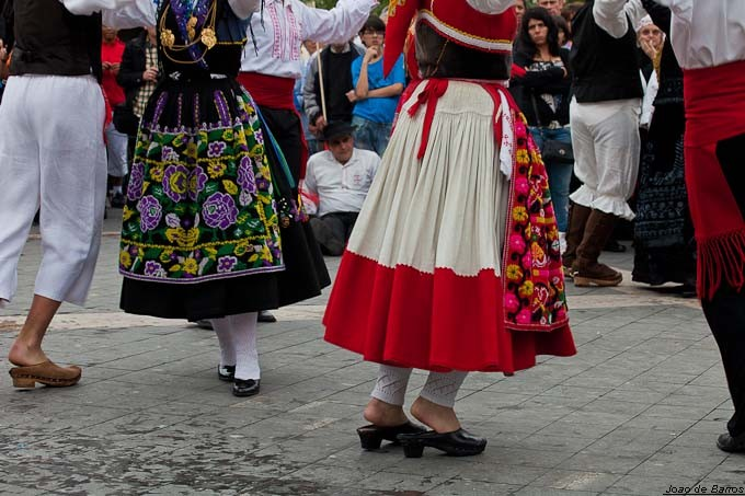 dancers from perre author barros joao