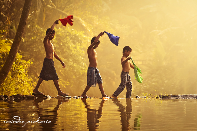 happiness in the village author prakarsa rarindra