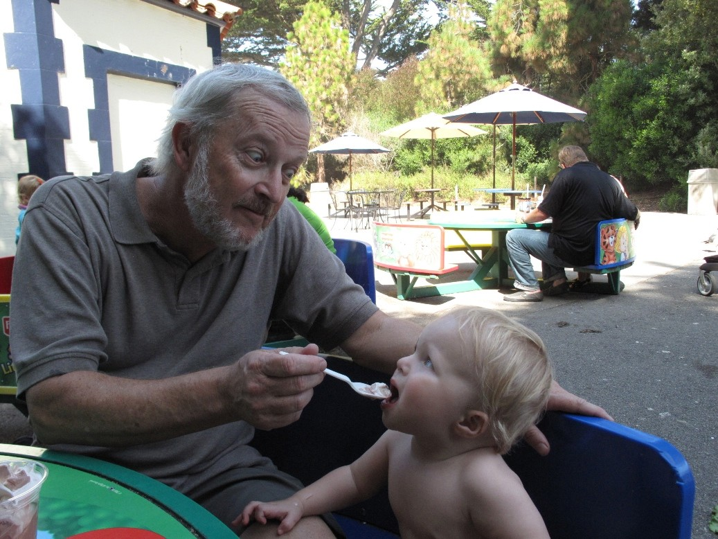 ice cream with pax at the zoo img jpg author drei dreizler bob