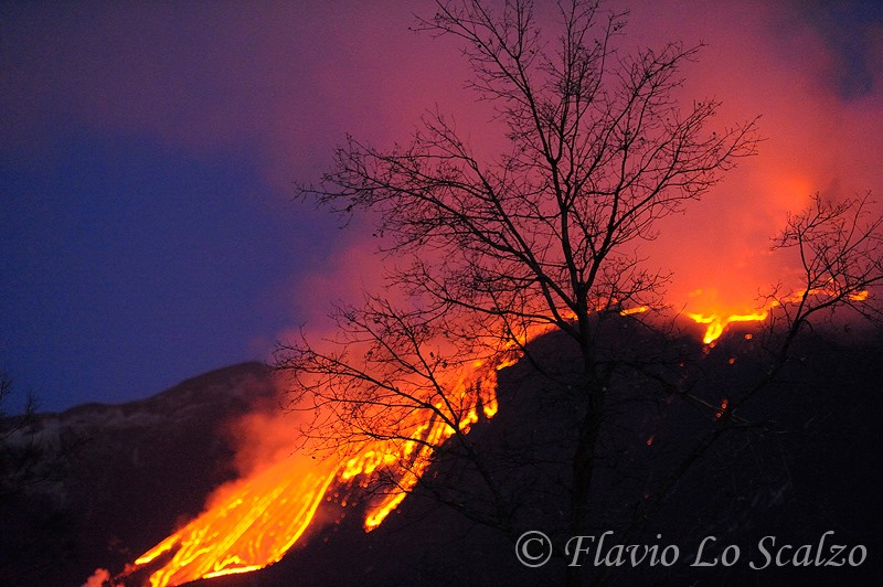 etna paroxysm author lo scalzo flavio