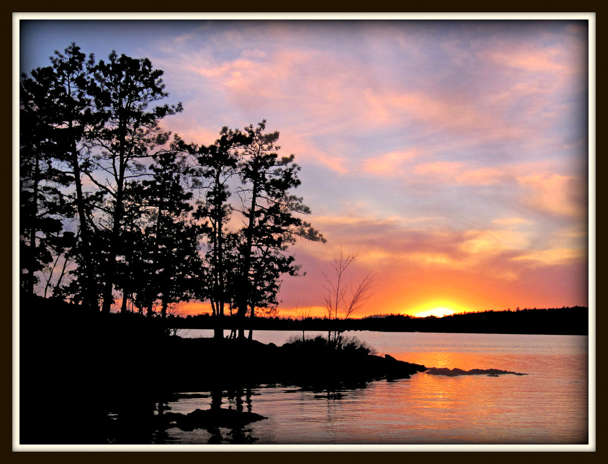 sunset from the island author pluskwik paul