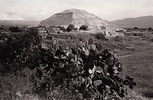 pyramid of the sun teotihuacan author ray