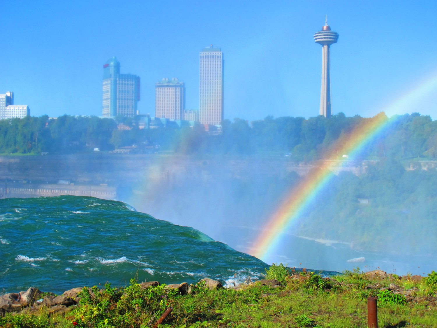 niagra rainbows with tower img author dreizler b bob