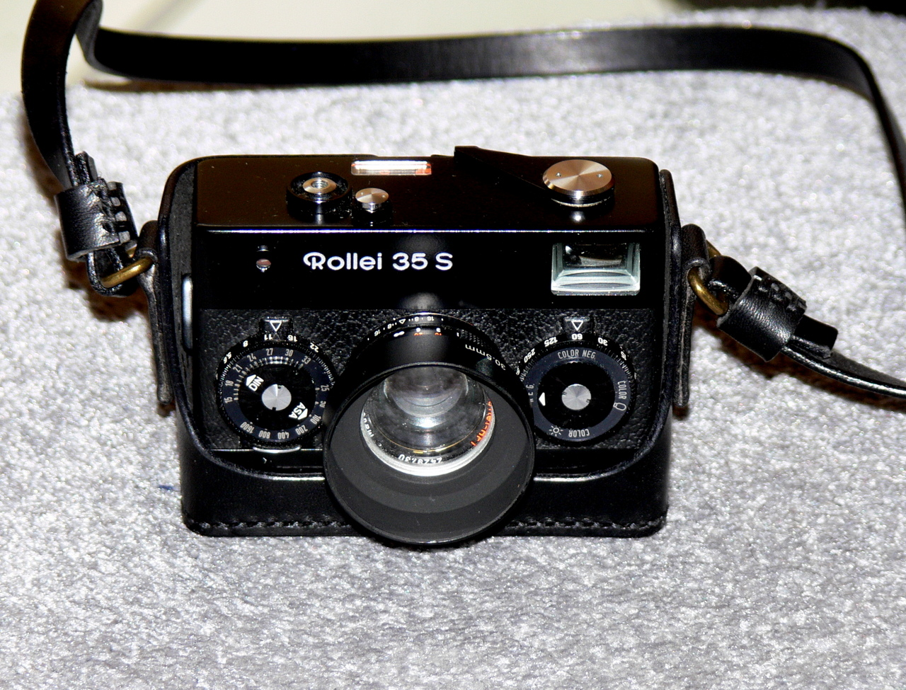 rollei s with lens hood and leather half case aut tai martin