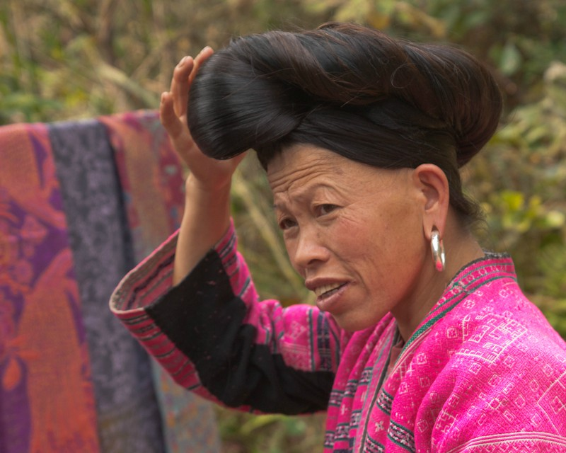 yao tribal lady with ankle length hair in bun aut downs jim