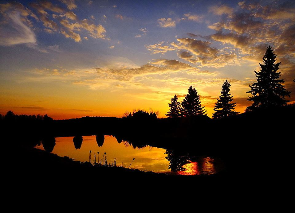 sunset across the pond author pluskwik paul