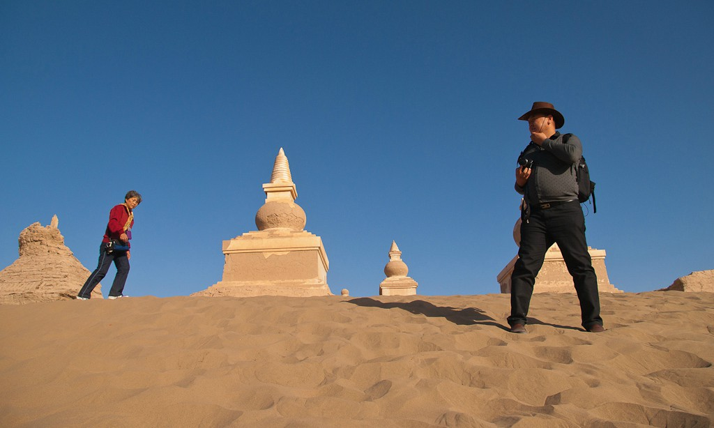 chinese tourists visit gobi desert ruins author d downs jim