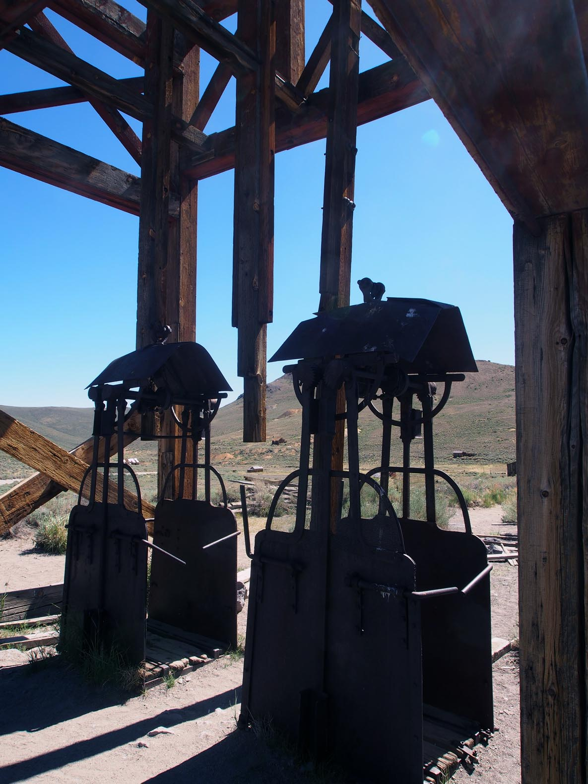 gates to hell miners elevators author hull ray