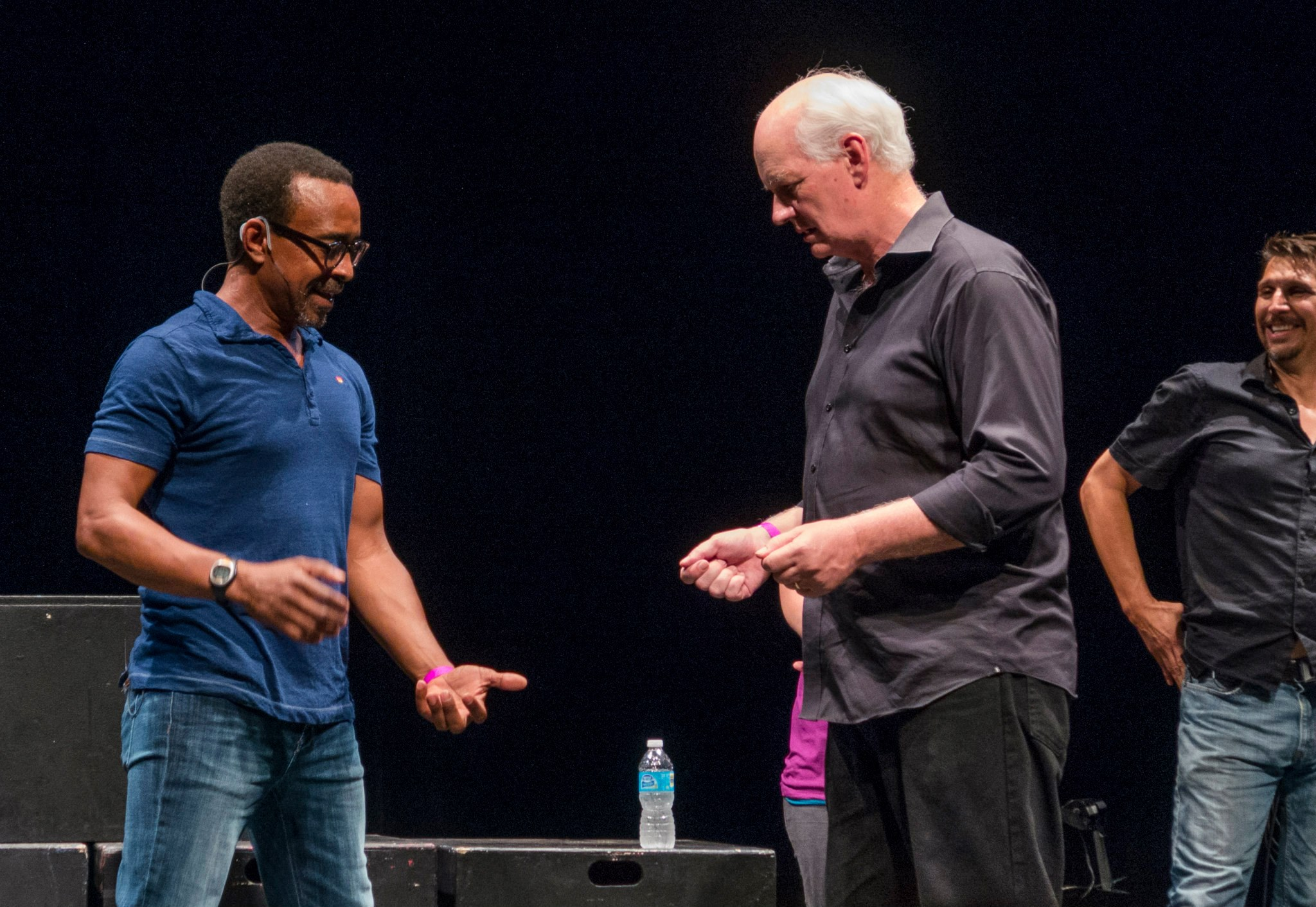tim meadows colin mochrie lucky yates discussing w walker clay
