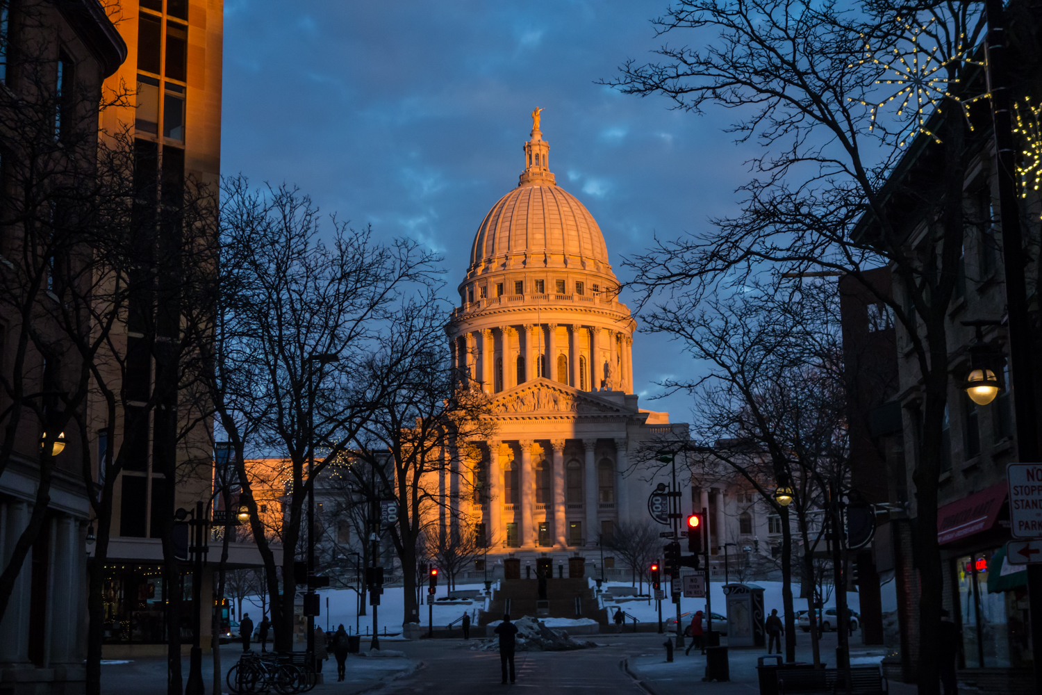 wisconsin state capitol at sunset author yin tom