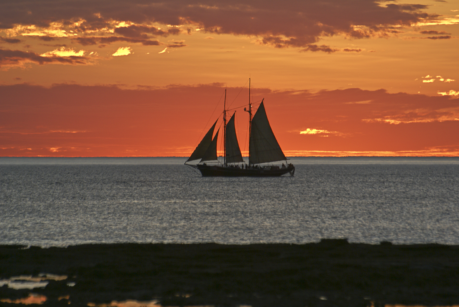 sailing at sunset author yin tom from cable beac