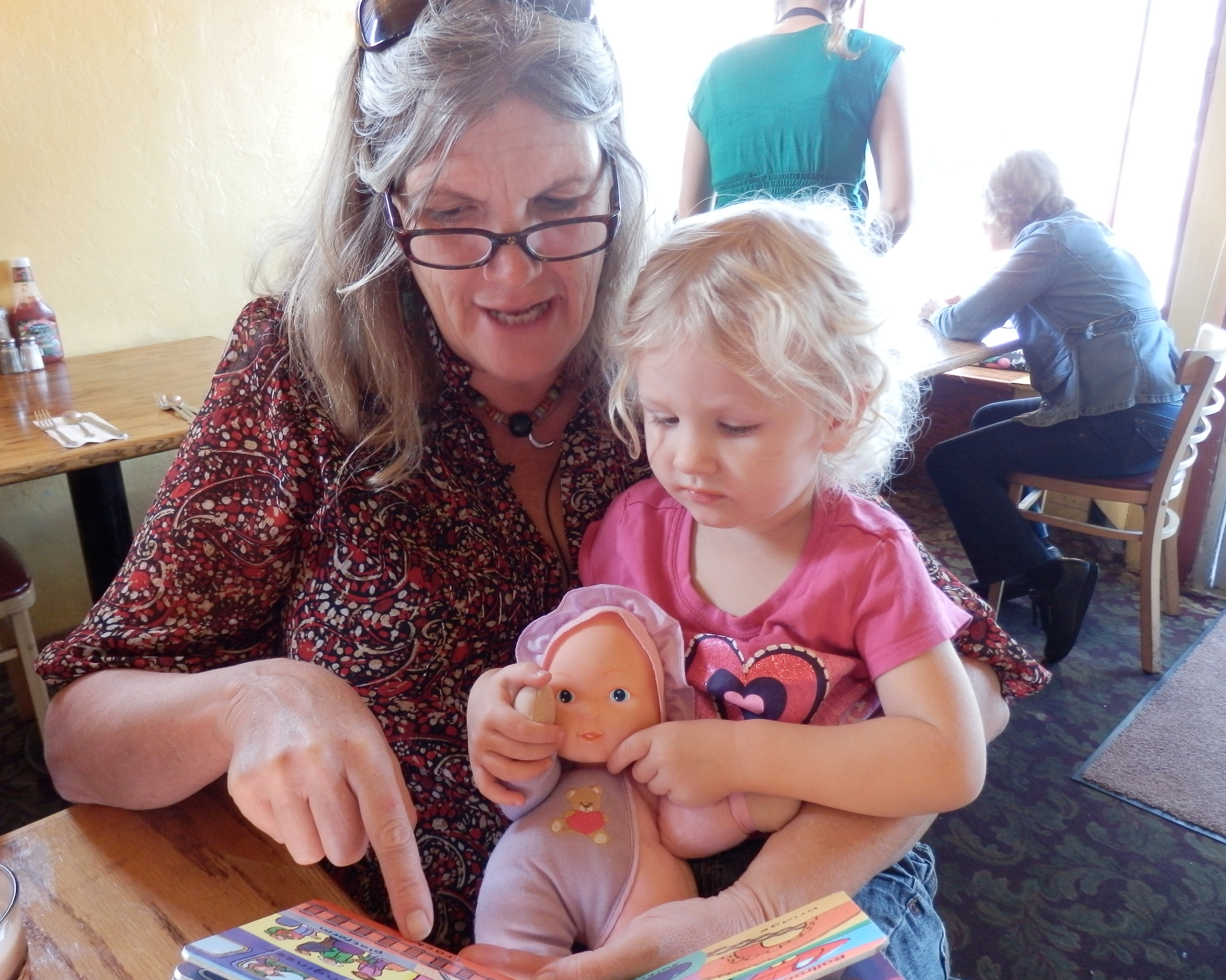 playing attention to grandma author lucke charlie