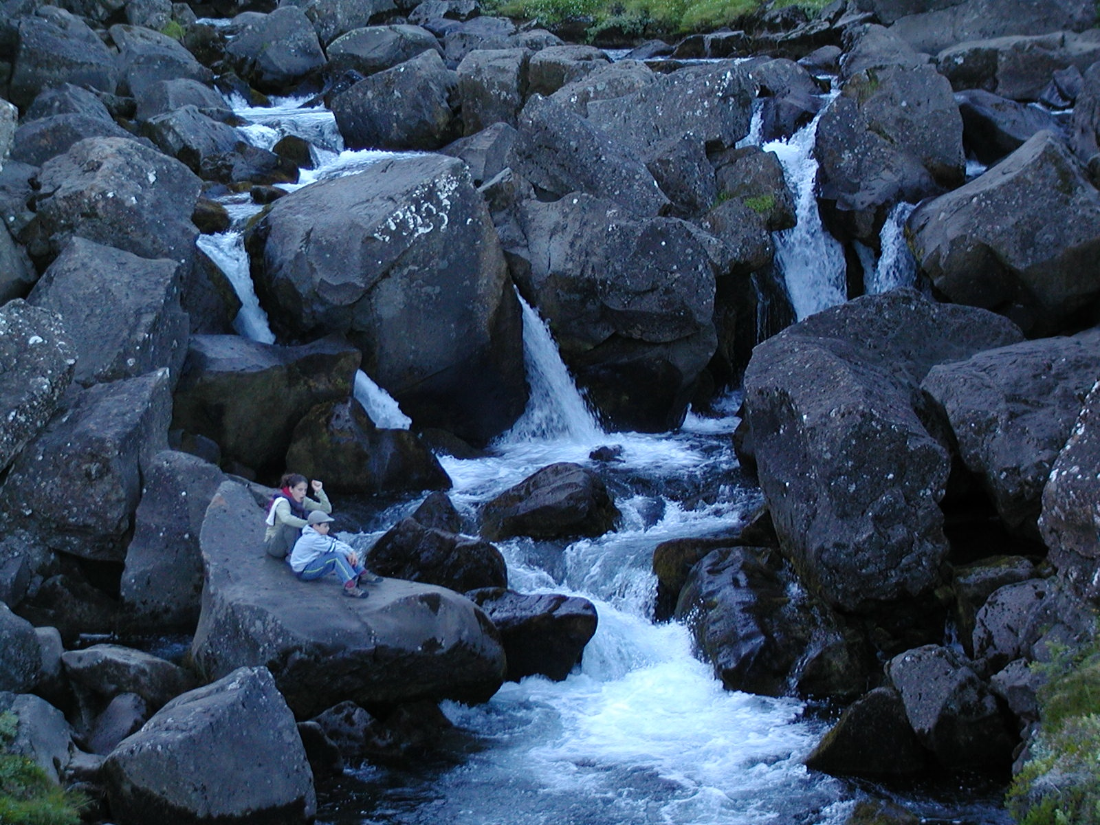 water moving through old lava flow author lucke c charlie