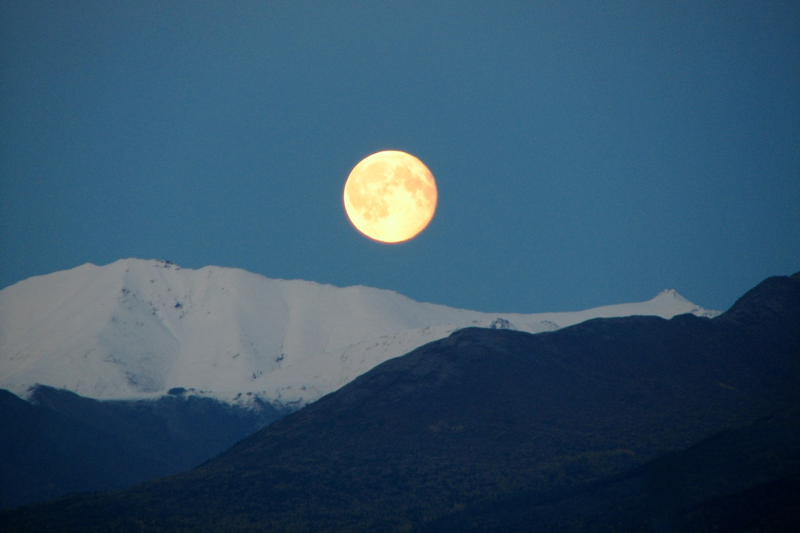 anchorage moon rise author lucke charlie dusk in