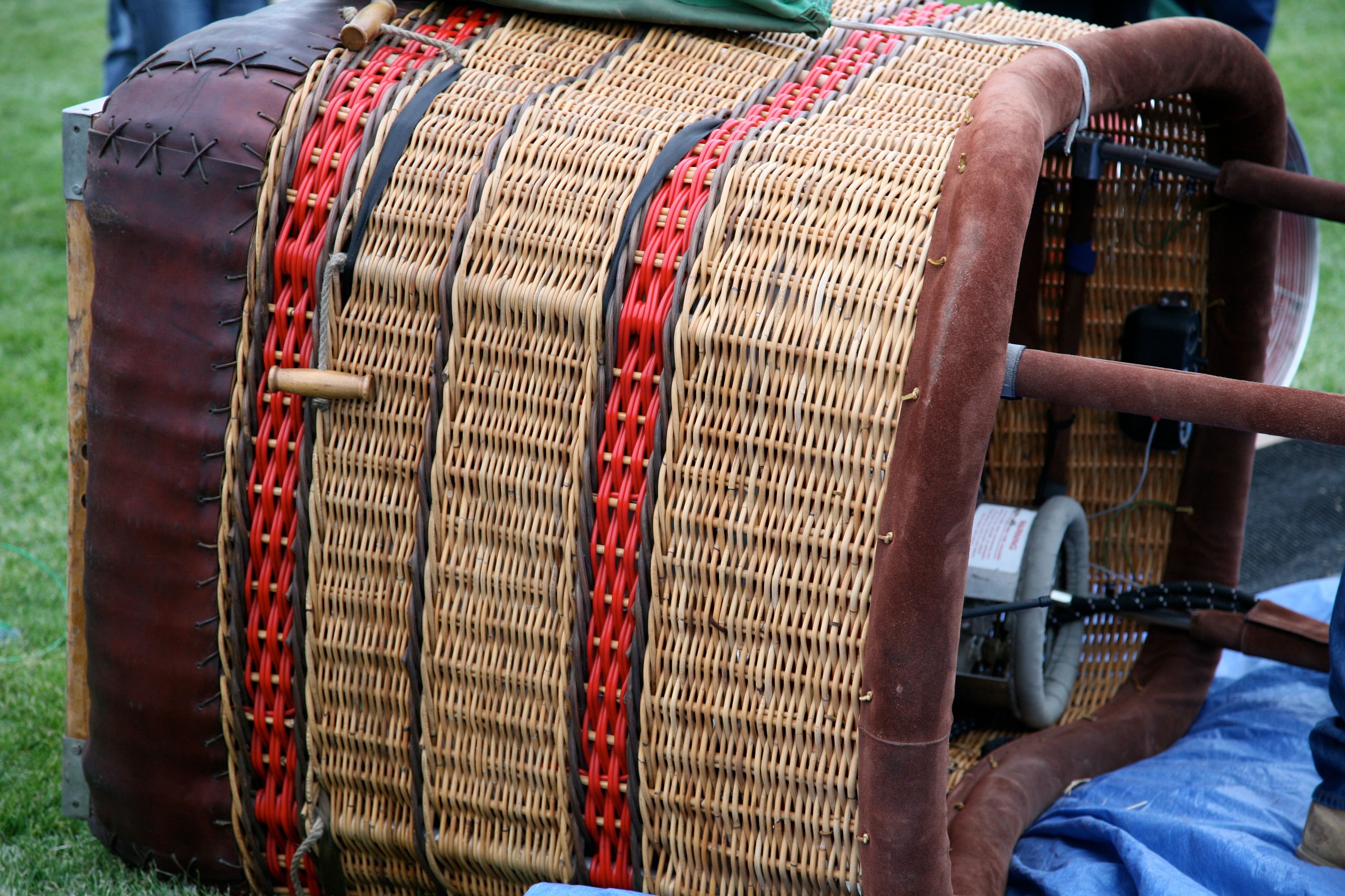 a tisket tasket red and tan basket author luc lucke charlie