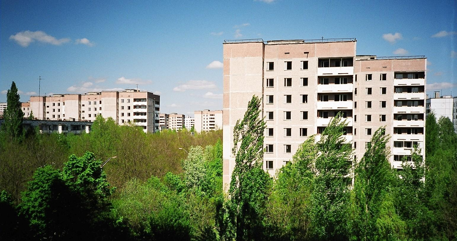view fom an apartment showing a residential area o rance ian