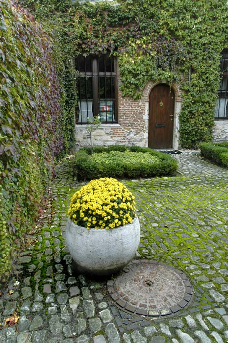 beguinage in mechelen author dupin eric