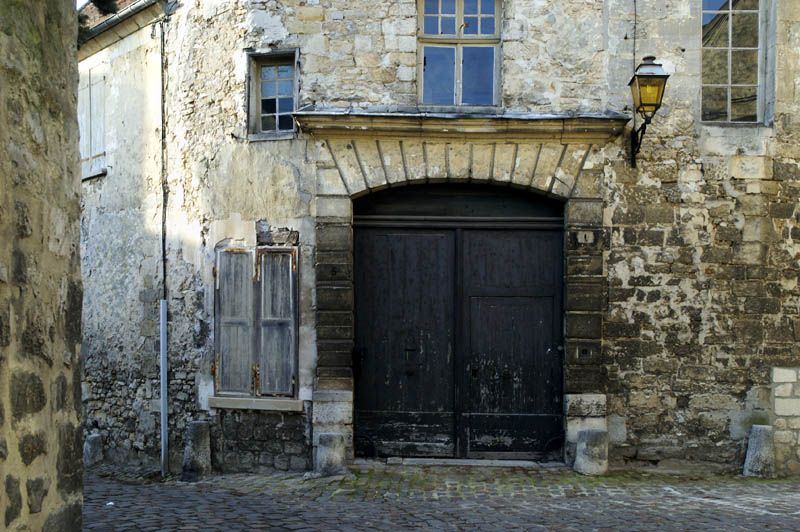 senlis old city author dupin eric
