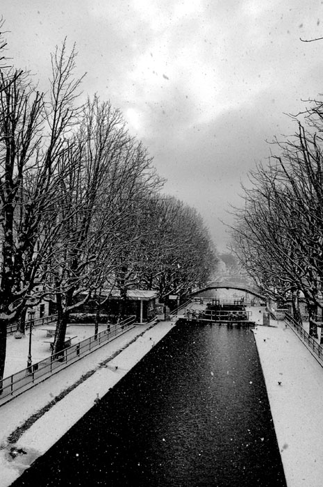 canal saint martin under snow author dupin eric