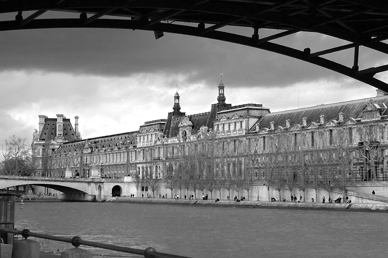 louvre just before rain author dupin eric