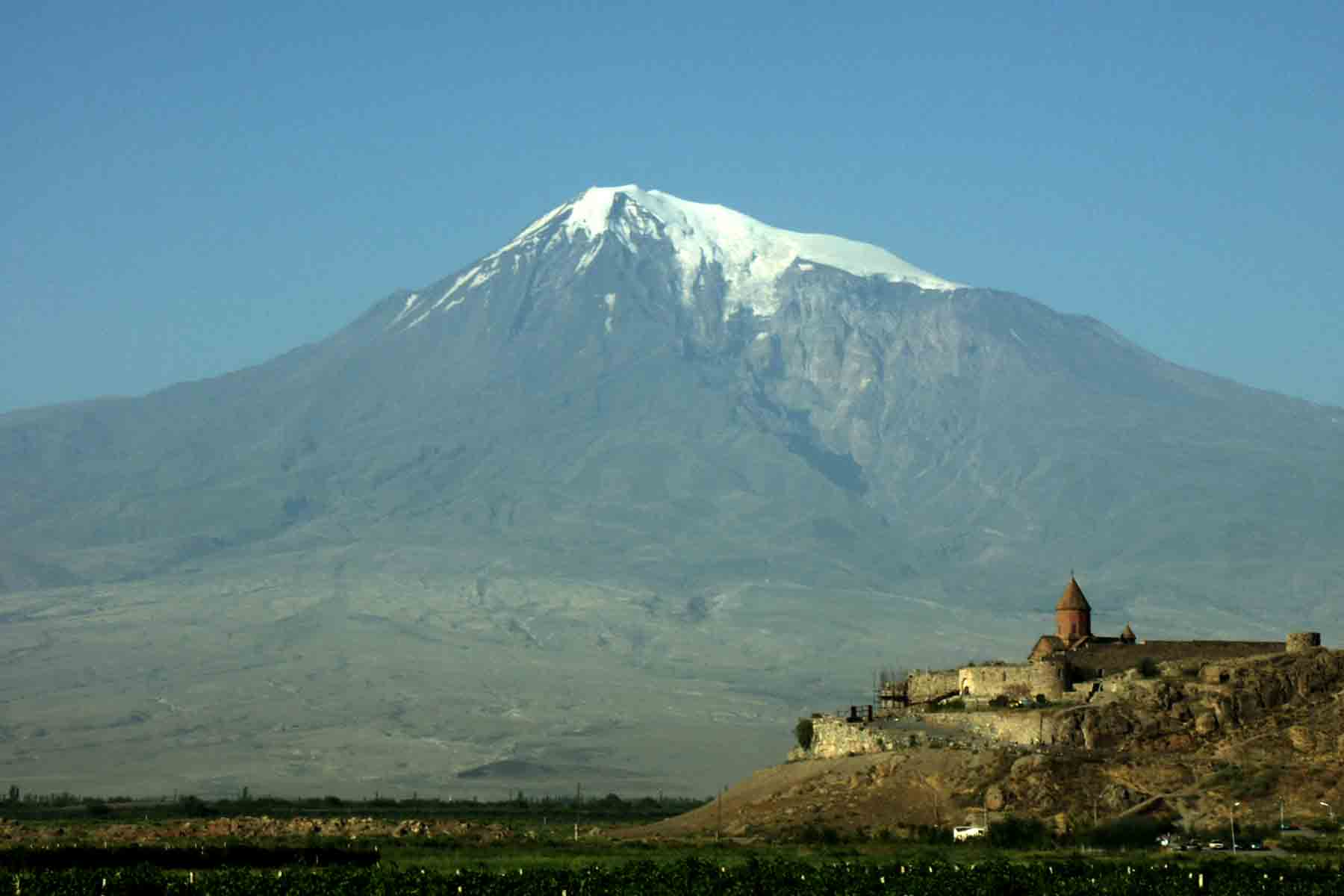 khor virap below mt aratat in armenina author dow downs jim