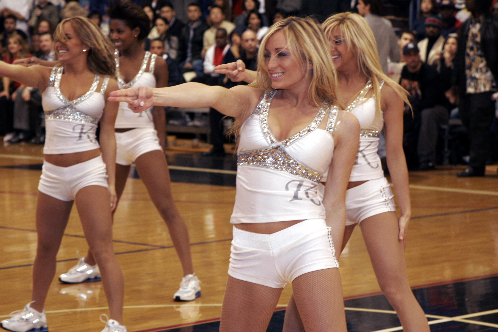 knicks city dancers in action author relyea blair