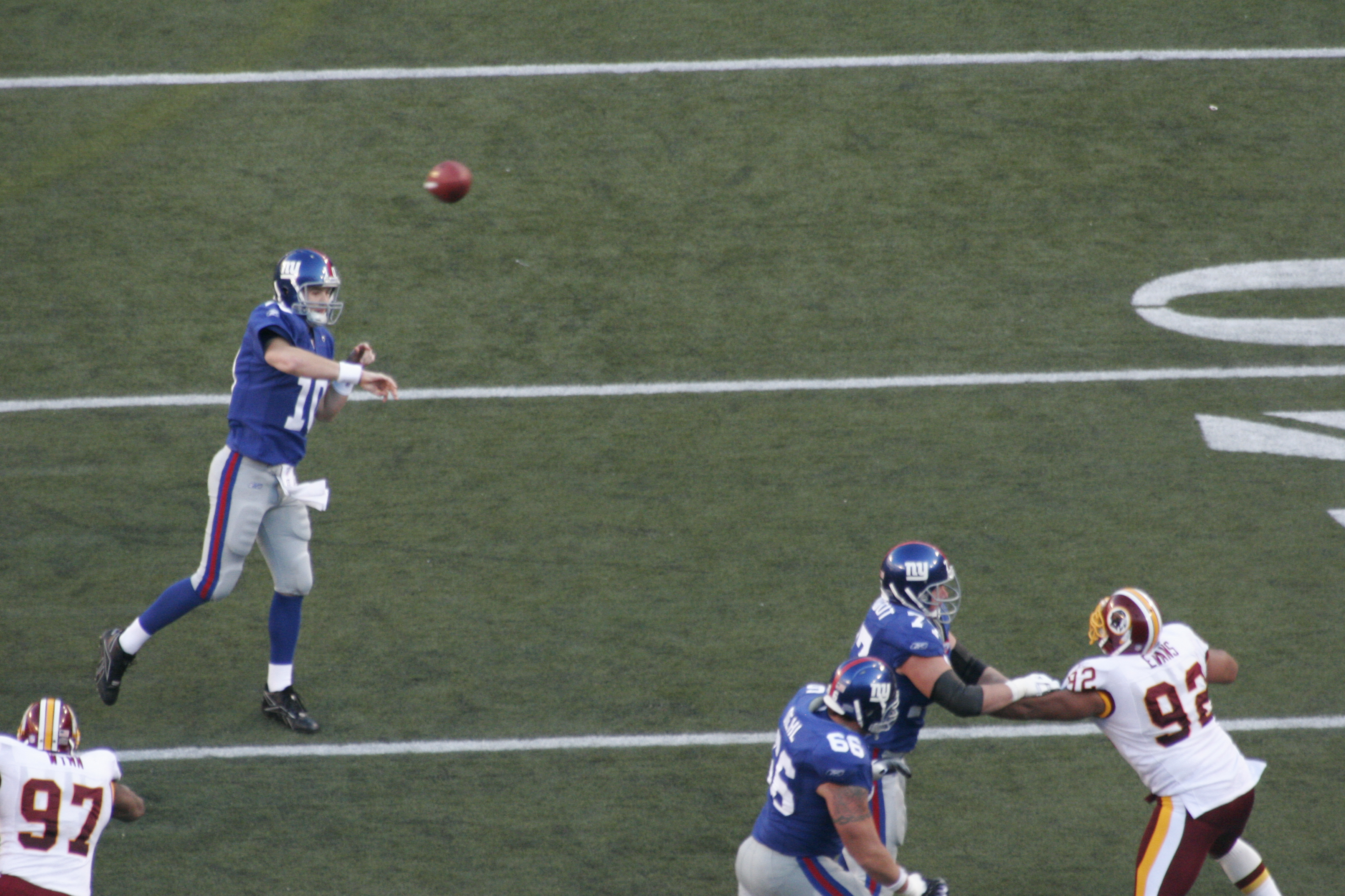 knowing manning he threw it to the press o giants relyea blair