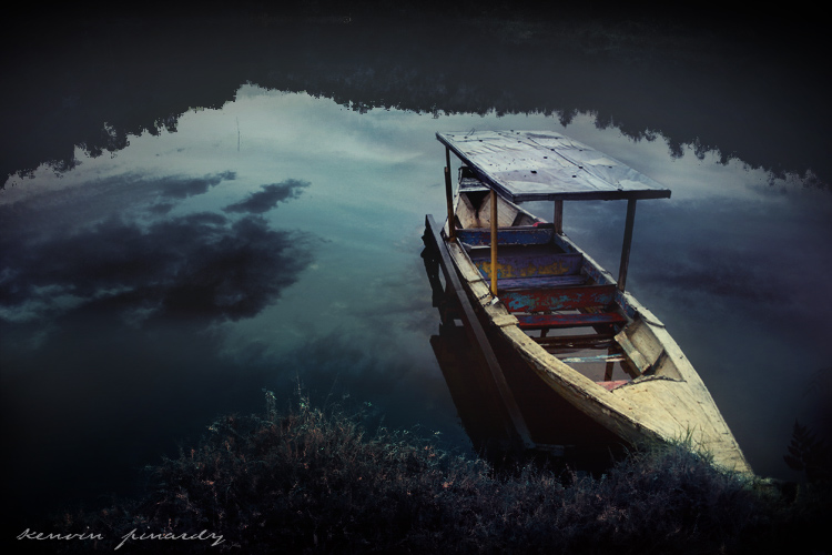 lonely boat author pinardy kenvin