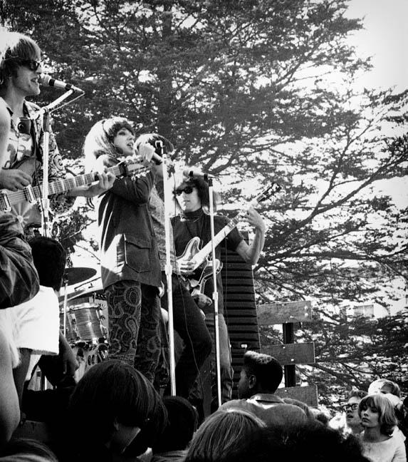 the jefferson airplane with there new lead singer mckenzie dennis