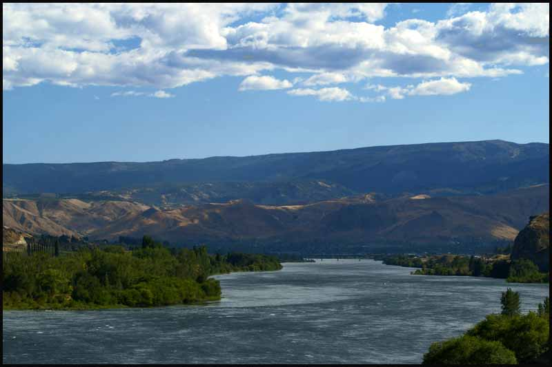 the columbia river at wenatchee author downs jim