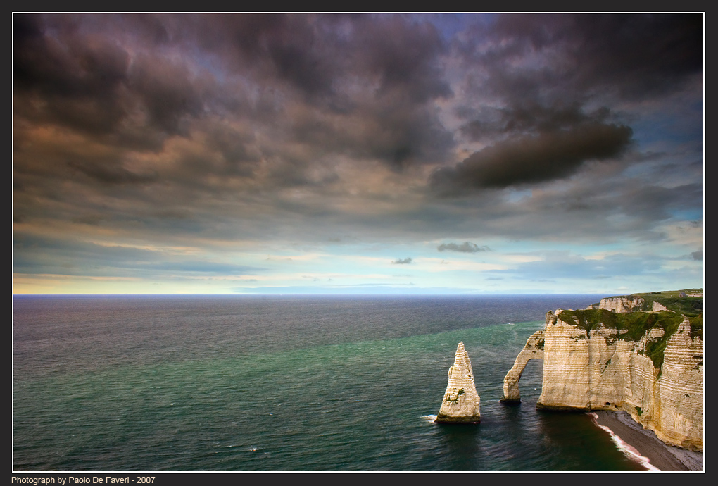 la falaise d aval etretat normandy france author de faveri paolo