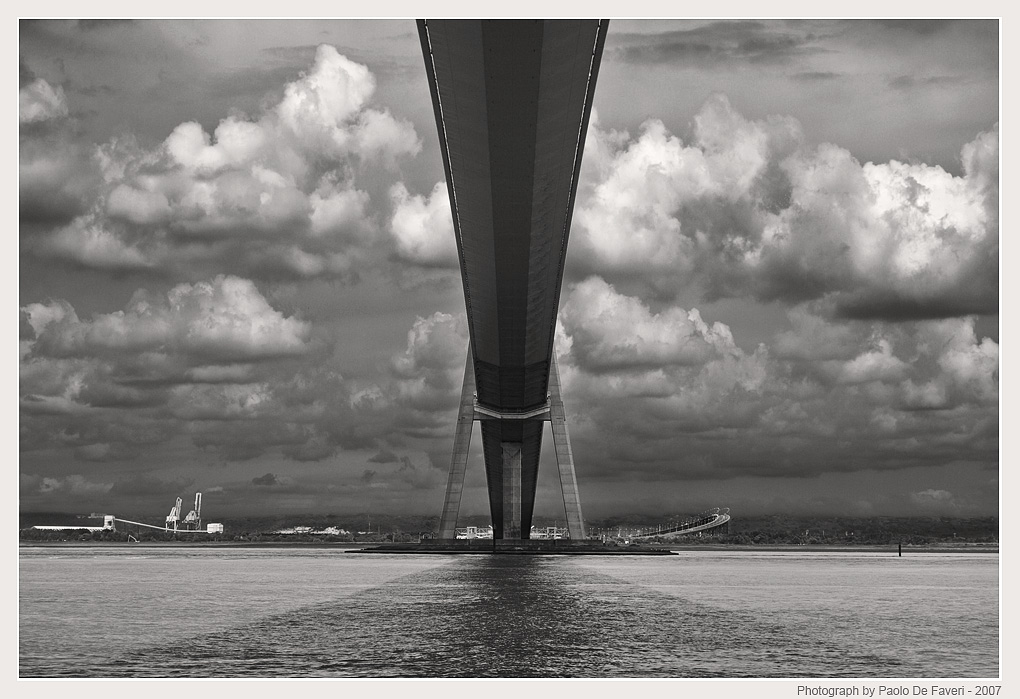 le pont de normandie bw version author faveri paolo