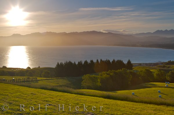 south bay of kaikoura at sunset from lookout point hicker rolf