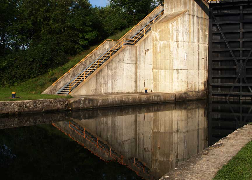 lock stairs reflected author hull ray