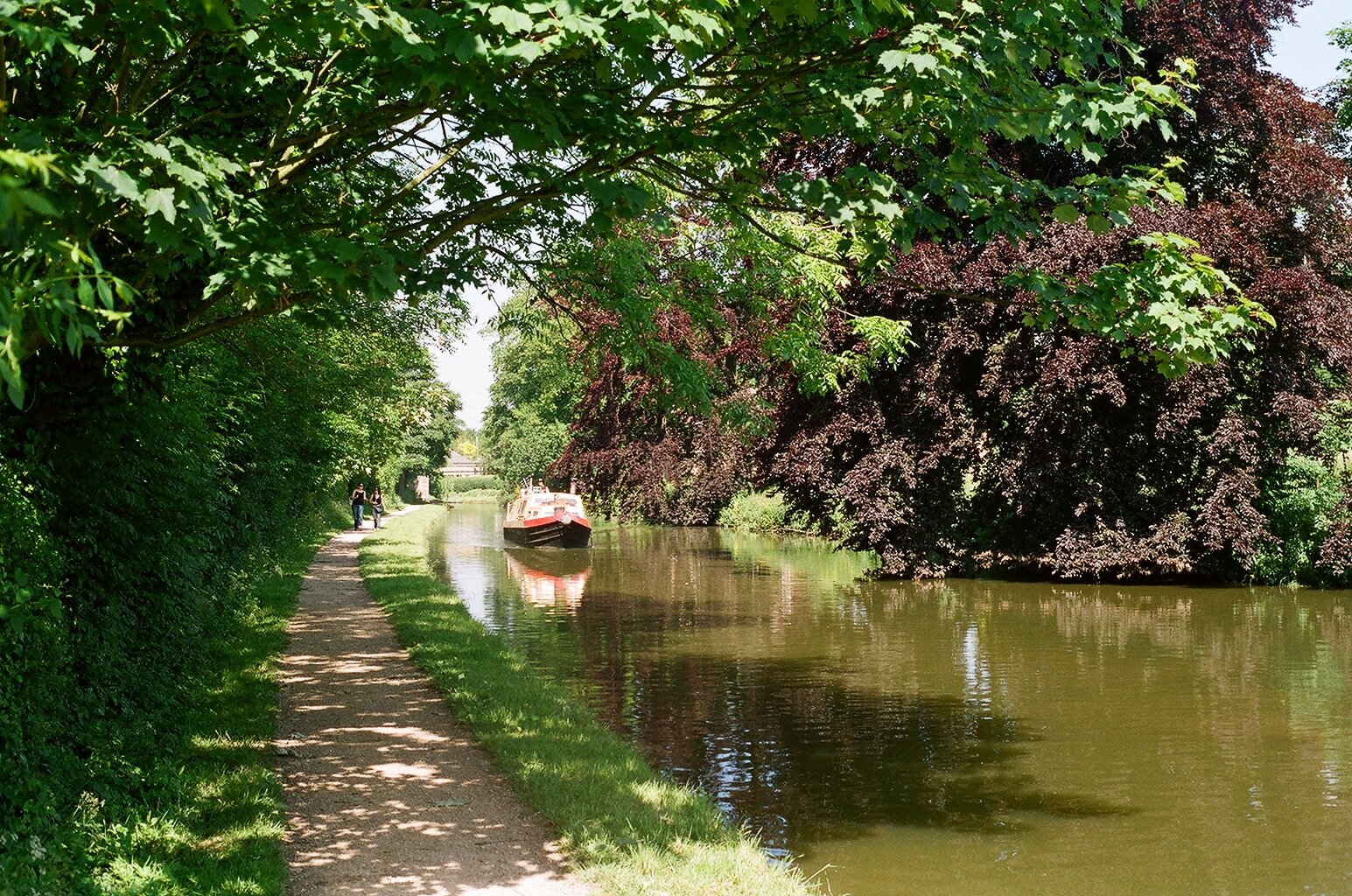 along the grand union canal towing path at bank mi rance ian