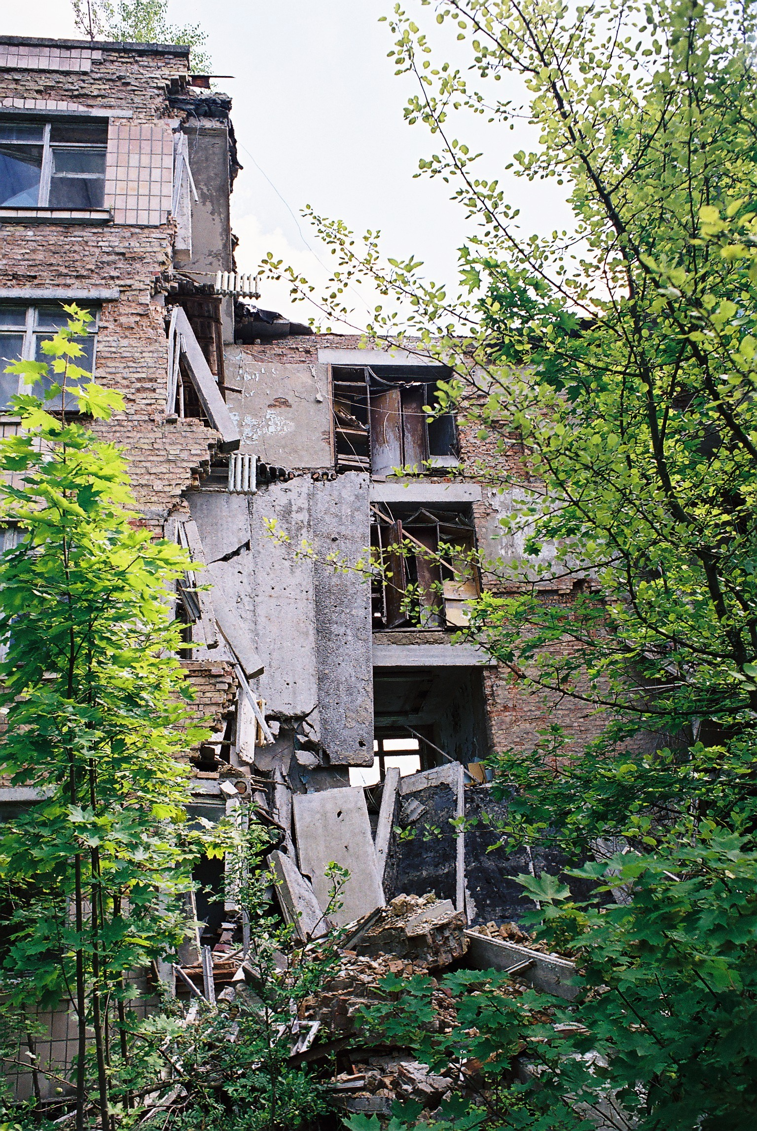 this school in pripyat has suffered a collapse i w rance ian