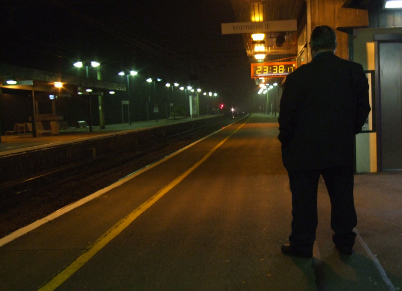 stationmaster watching for the to london author r rosemier matt