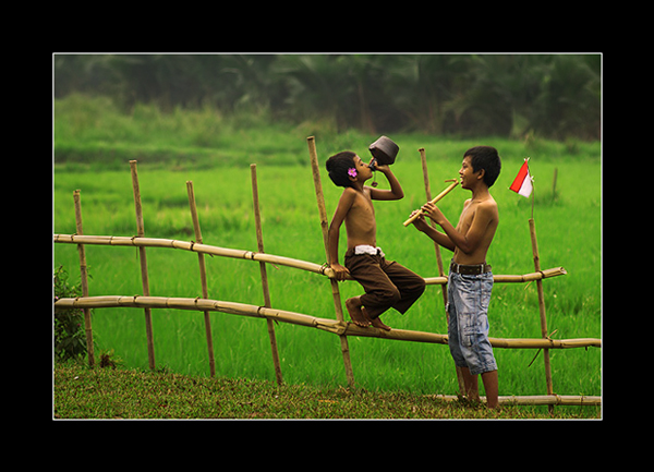 indonesia village boys with flag of merd prakarsa rarindra