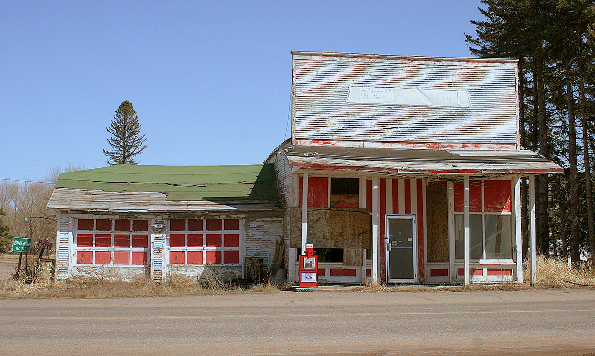 old service station out of business author plus pluskwik paul