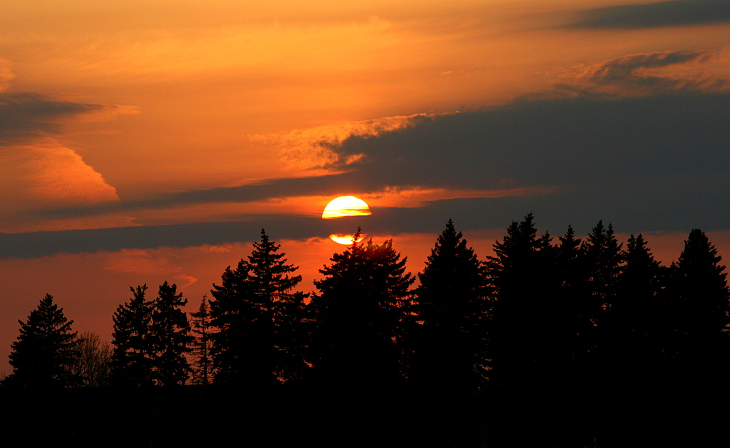 sunset through the clouds author pluskwik paul