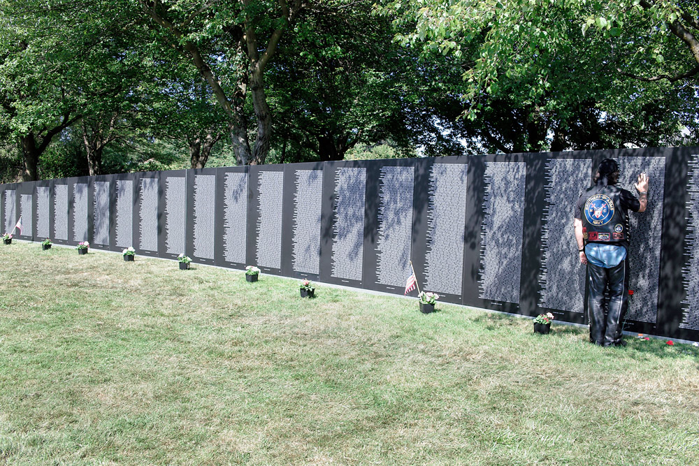 vietnam memorial replica author root josh